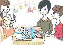友人たちから大きなプレゼントを受け取る新生児のママ
