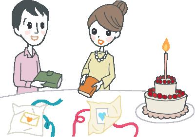 1本のろうそくを立てたホールケーキを前にして、手紙や手帳を交換しあう若い夫婦。